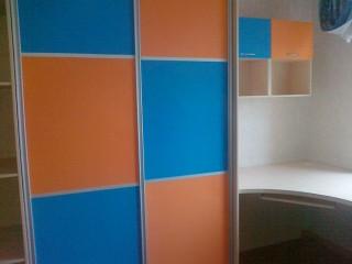Мебель для детской.Шкаф-купе.Вставки МДФ в ПВХ плёнке.