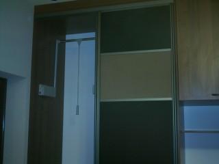 Для использования максимальной высоты шкафа применяется пантограф.