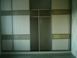 Шкаф-купе.Вставки дверей Сатин-акрил.